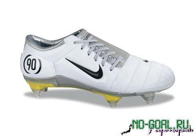 Футбольные бутсы Nike Total 90